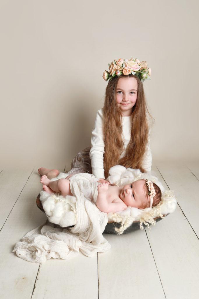 Baby-and-big-sister