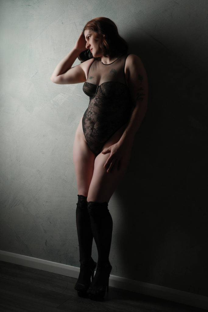 Boudoir-Photoshoot-Pose